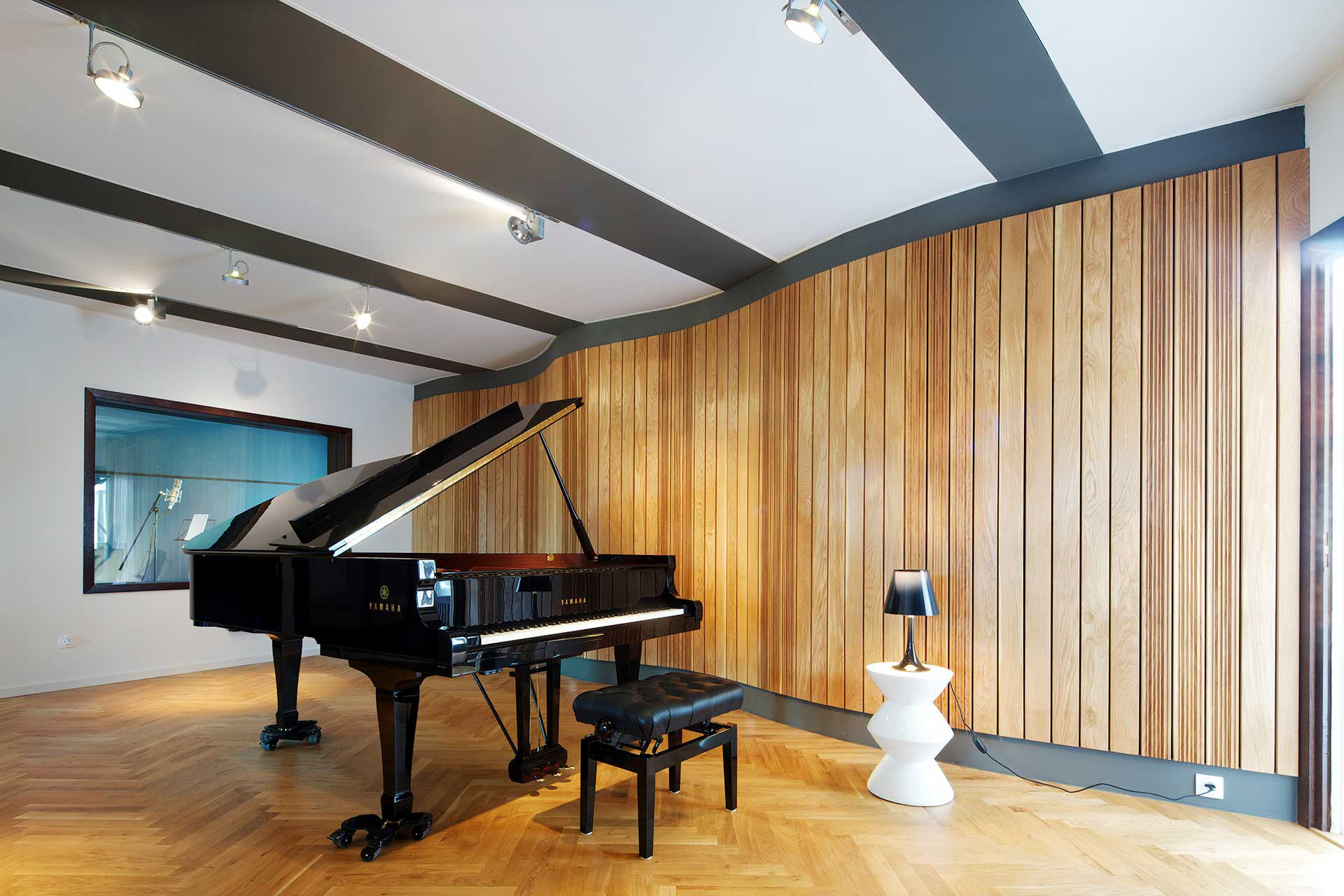 Peachy High End Studio Jrs Jazzanova Recording Studio Berlin Germany Largest Home Design Picture Inspirations Pitcheantrous